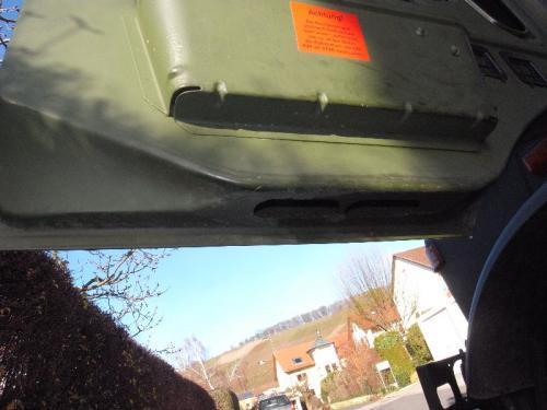 Schlitze in den Türen zur Fahrerhaus Entlüftung